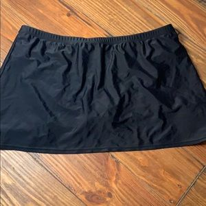 St. John's Bay black swimsuit skirt 16